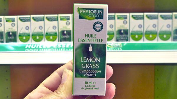 Picotements dans la gorge, difficultés à avaler… certaines huiles essentielles peuvent soulager rapidement ces symptômes. Découvrez les huiles essentielles qui soulageront rapidement les maux de gorge.