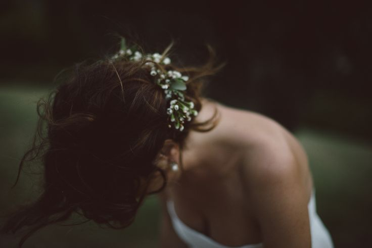 simple and sophisticated mood for a sweet wedding in Tuscany Castle. Floral Crown by #Fluidadesign