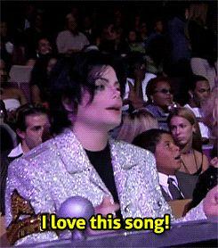 """"""" nicki: drags Miley                                                       …"""