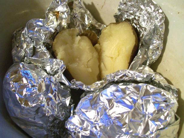 crock pot baked potatos: Baked Potatoes, Don T Wraps, Yukon Potatoes, Baking Potatoes Bar, Crockpot Baking, Baking Potatoes Crock Pots, Pots Baking, Sweet Potatoes, Crockpot Potatoes