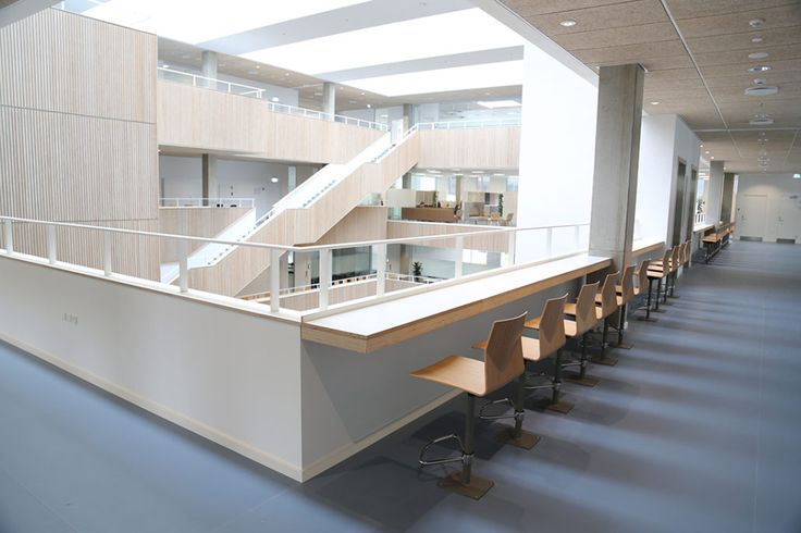 Projects we love: LILLEBAELT ACADEMY - Four Design - Installations and concrete solutions provides with the possibility for the students to work with theories and experiment with materials applied in the real world.
