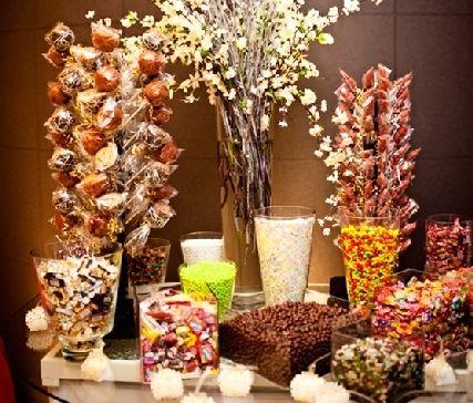 Mesa oto al mesas de dulces y pasteles pinterest - Ideas para decorar mesas de chuches ...