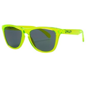 Turn back the clock to the age of neon and big hair with the one-of-a-kind retro styling of Oakley Frogskin sunglasses, updated with the optical precision of Plutonite® lenses and a durable O-Matter® frame