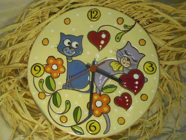 ceramica come mestiere: Simpatici gatti per questo nuovo orologio in cuerd...