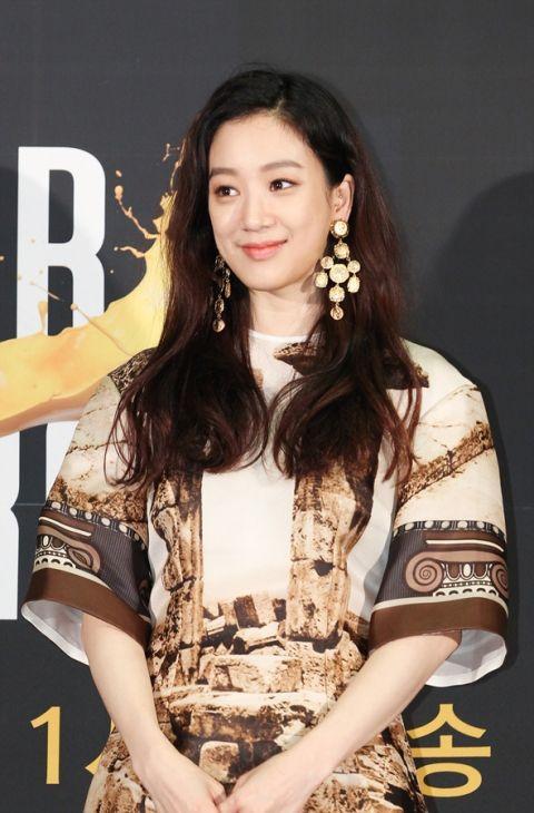 '아트 스타 코리아' 정려원, 첫 MC 도전 성적표 '합격'