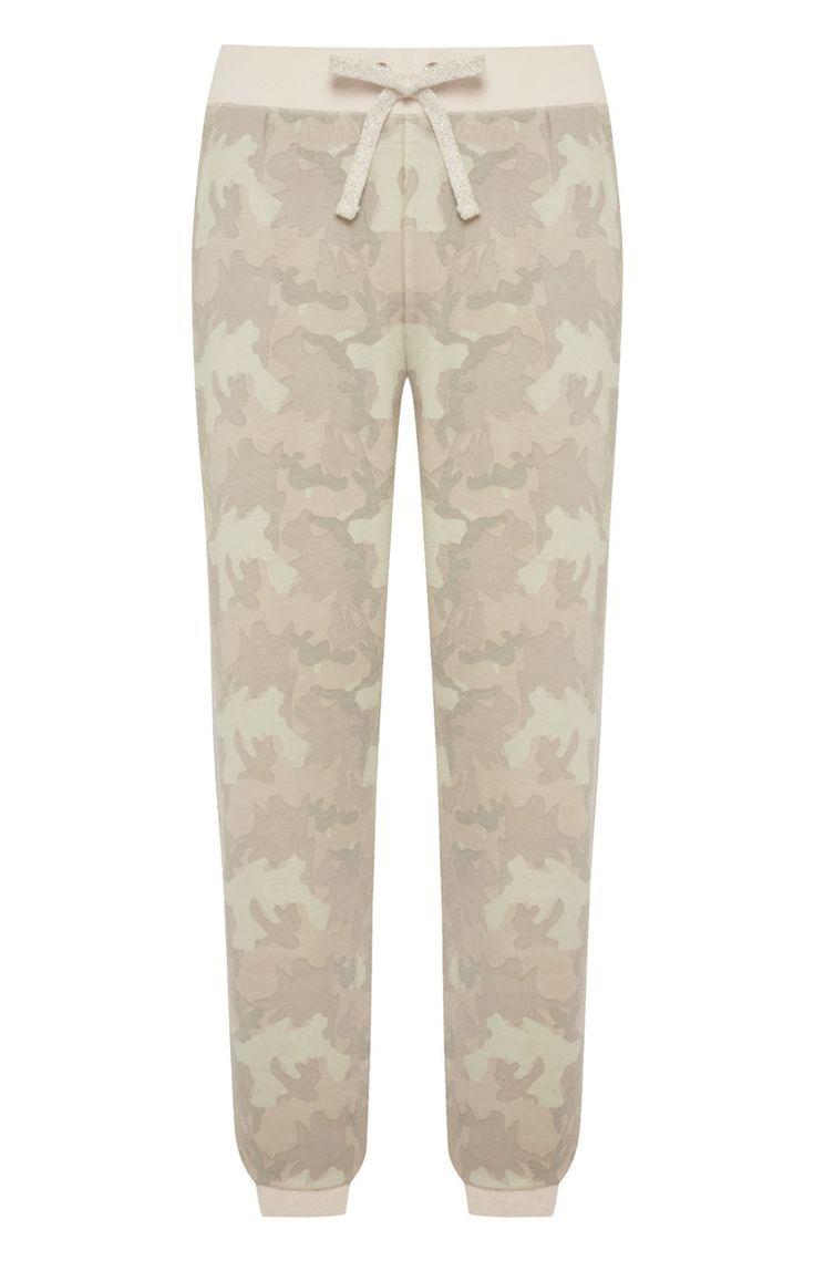 Roze pyjamalegging met camouflagemotief
