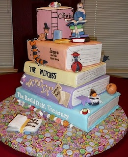 Roald Dahl library cake: Books Worms, Kids Books, Amazing Cakes, Roald Dahl, Books Cakes, Creative Cakes, Cakes Design, Beautiful Cakes, Birthday Cakes
