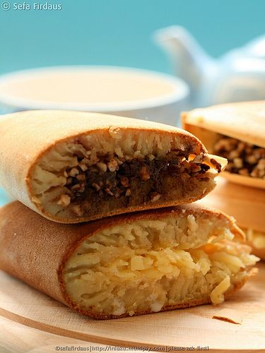MARTABAK MANIS (INDONESIAN STYLE SWEET THICK PANCAKE) (milk, almond, Gouda cheese, Condensed milk)