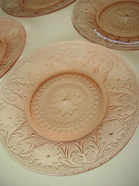 4 Depression Pink Dinner Plates Set of 4 by TheBackOfTheBasement