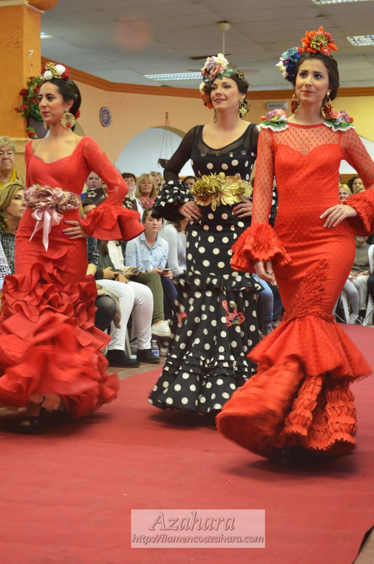 #trajesdeflamenca #complementosdeflamenca #Azahara #Modaflamenca #Fuengirola #rojo #negro #lunares #flores