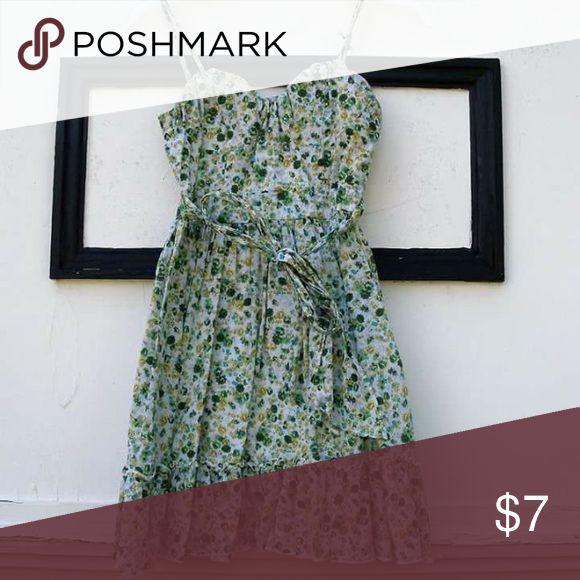 Green flowery dress Green flowery dress size small Dresses Mini