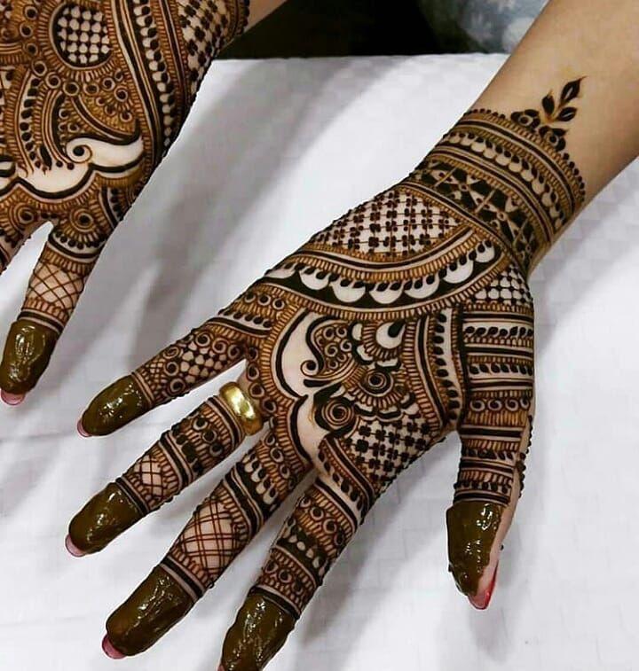 "103 Likes, 1 Comments - imehndi.com (@imehndicom) on Instagram: ""Detailed mehndi art by @meera_mahendi Follow the artist #repost #mehndi #mehndilove #henna…"""