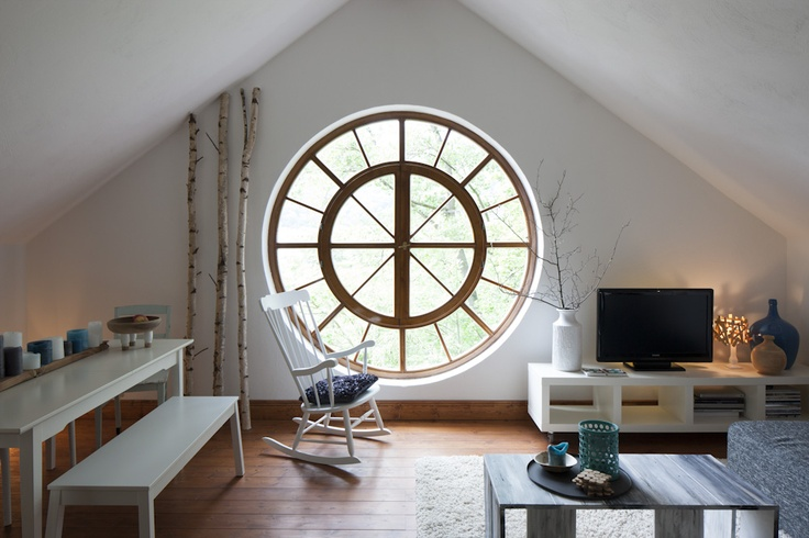 ber ideen zu runde fenster auf pinterest fenster. Black Bedroom Furniture Sets. Home Design Ideas