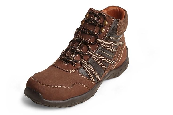 Casual shoes for men.  Visit: http://www.tashi-til.com/search/men/