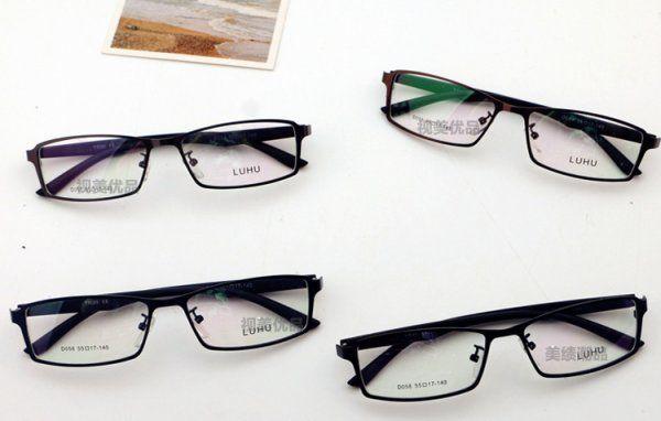 スクエアフレームのメガネやサングラス!顔立ちをスッキリと引き締めてくれる効果の高い現在流行のスクエア型の人気 サングラスやメガネを紹介!人気ブランド風!