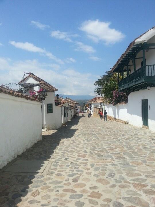 Calle colonial en Villa de Leyva, Colombia