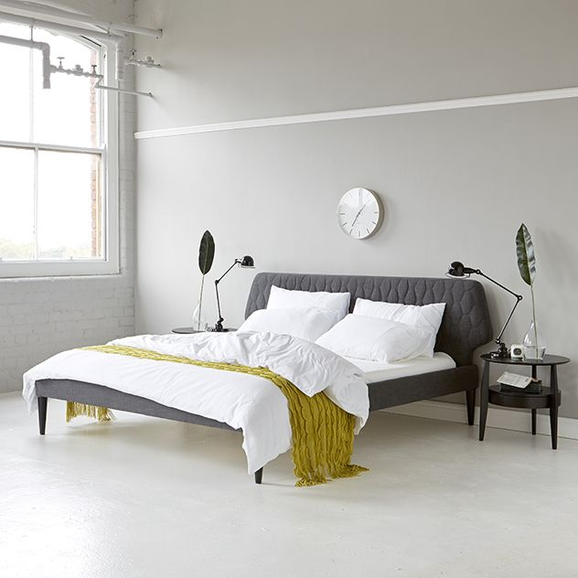 The Luna Bed from Steijer is a graphic, stylish product which will provide a dynamic focal point to your bedroom. The contemporary quilting ads further interest to this already striking form. Available in three popular UK sizes - Super King, King Size and Double.