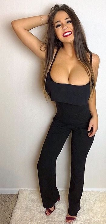 Sexy tops for girls with big boobs