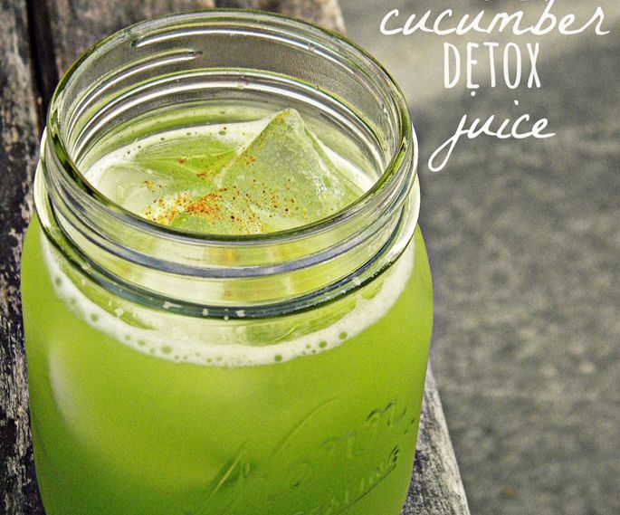 Ginger & Cucumber Detox Drink2 cucumbers 2 inch knob of ginger 1/2 lime 1 cup of parsley dash of cayenne pepper