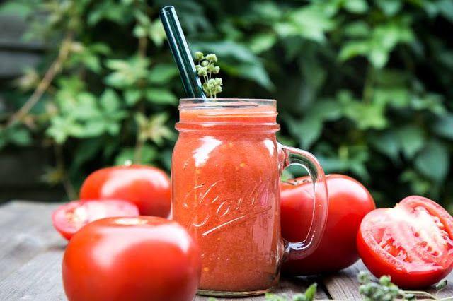 Odmładzający koktajl pomidorowy zwalczający wolne rodniki