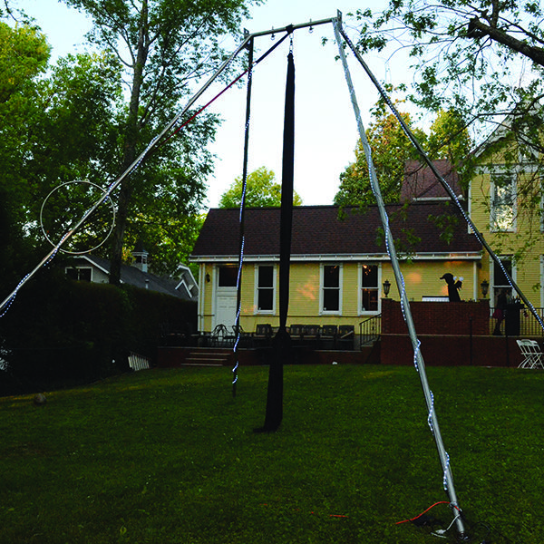 We set up sometimes behind people's houses as well for private events, here we see our portable aerial rig set up and ready to go for a backyard display!  #PrivateParties #bookings #TheImperialOPA #Circus #Atlanta #OPA #AtlantaCircus ------------- #1 rated entertainment booking company in GA!   Contact us today and lets make unforgettable events together!