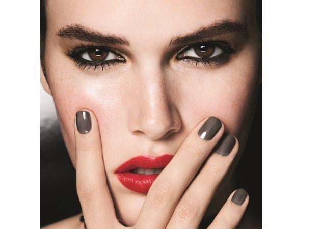 Το ανοιξιάτικο μακιγιάζ του οίκου Chanel! Δες τα προϊόντα που ερωτευτήκαμε!