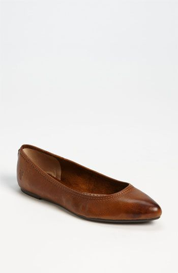 other girls look so chic in pointy-toe flats and I feel like GIANT FEET STOMPING THE CITY FLAT