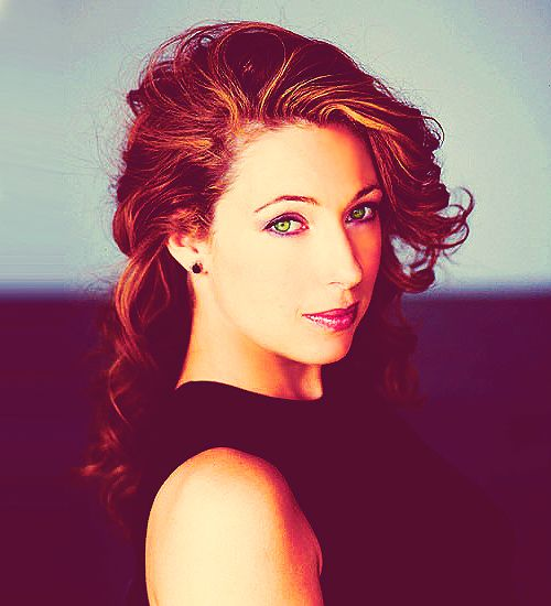 a young Alex Kingston - she was beautiful then and is gorgeous now.
