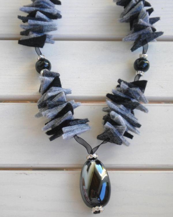 collane di lana e pietre - Cerca con Google