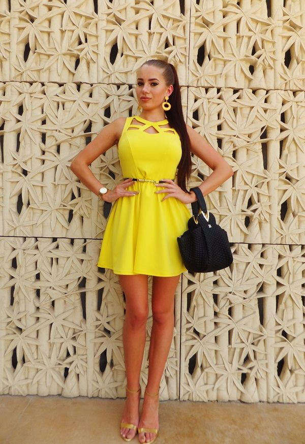 Heels to wear with yellow dress
