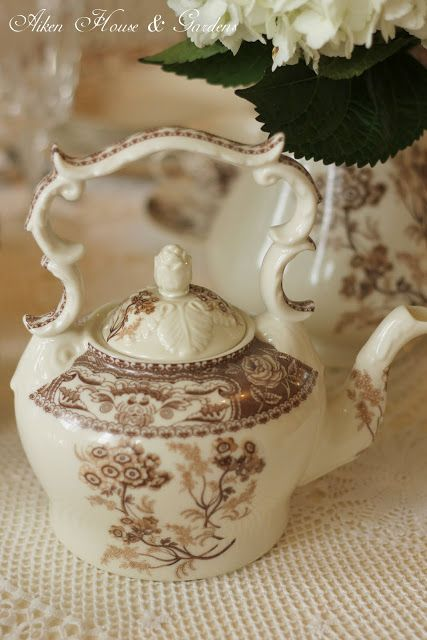 Aiken House & Gardens: Brown & White Transferware Tablescape