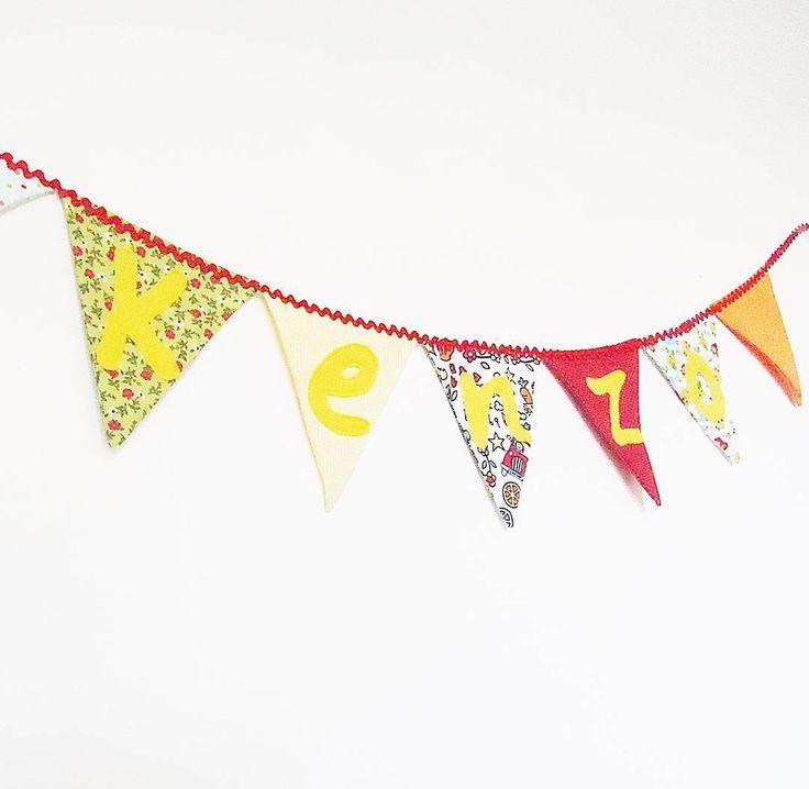 Cordão de bandeirinhas personalizado.  #cordãodebandeirinhas #infantil #lúdico #lojadanielasantos #decoração #decoraçãolúdica #decoraçãoinfantil #bandeiradecorativa #bandeirinhas