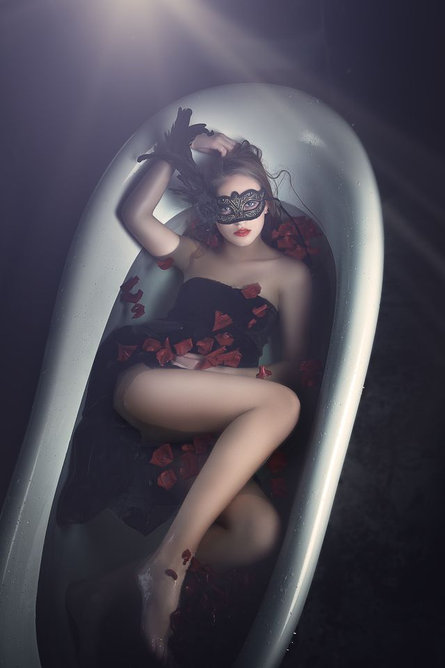 Bath Time... Your unforgettable hedonistic holiday -  Find Out More! http://hedonism.holiday/