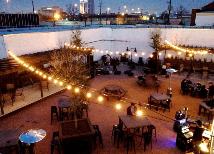 New patio bar aims to create a walkable Houston neighborhood — and food truck haven