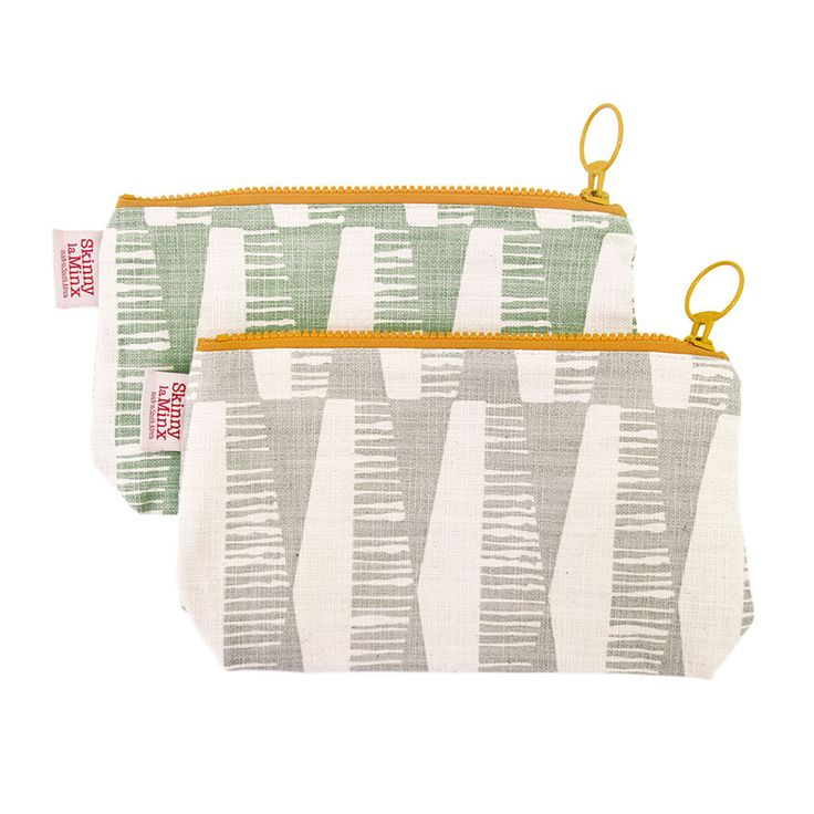 The 'Diamonds' Stash Bag by Skinny laMinx makes a wonderful gift. Get it online at www.skinnylaminx.com.