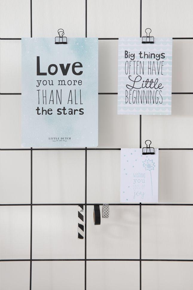 Decoreer de babykamer of een andere ruimte in huis met de inspirerende quotes van deze 3-delige set met poster en 2 kaarten mint!
