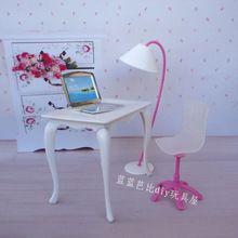 Freies Verschiffen, puppe spielhaus puppe möbel schreibtisch + lampe + laptop + stuhl zubehör für Barbie-puppe(China (Mainland))