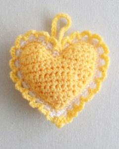 Free Crochet Pattern Heart Sachet 74