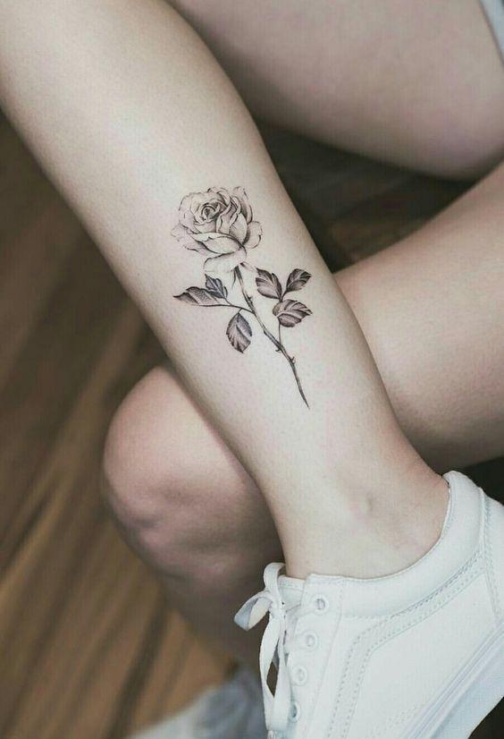 Tiny Small Rose hand Tattoo Ideas; flower tattoos; rose tattoos; beautiful tatto… #tattoos