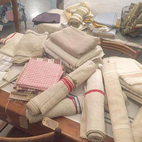 Ven a conocer nuestra colección de textiles antiguos y de importación, vendemos por metro y retales ♥️♥️😍😍 #lino #linoantiguo #linofrances #rulosdelino #cañamo #cañamoantiguo #textiles #textilesantiguos #textilesbarcelona #shoppinggracia #shoppingbarcelona #shoppers #theoldkitchen #theoldkitchenbcn #barridegracia #barcelona