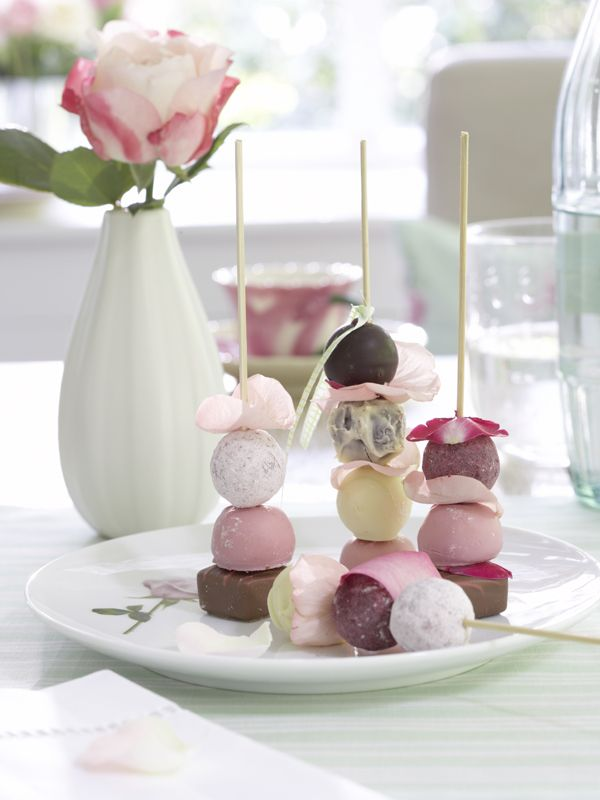 mmm...Edible Flower, Sweets, Cute Ideas, Chocolates Kabobs, Tea Parties, Cake Pop, Parties Ideas, Desserts Tables, Teas Parties