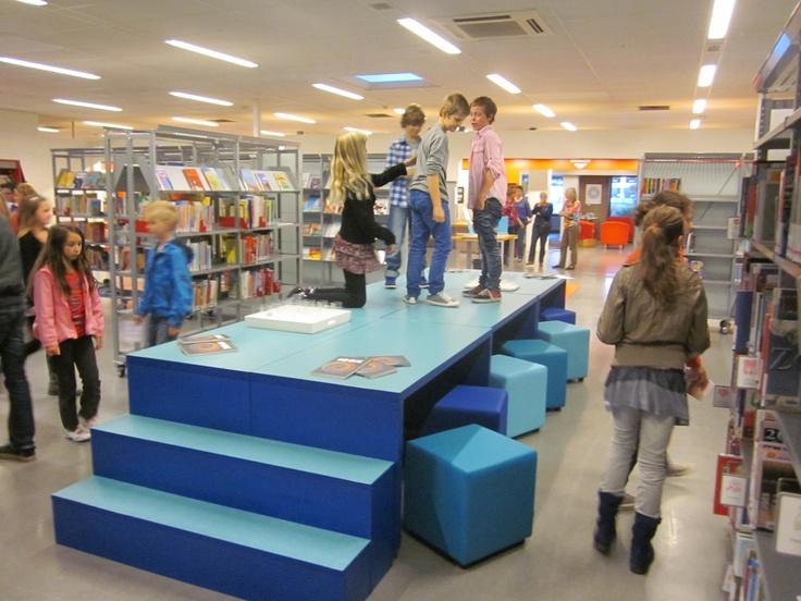 Catwalk - 100 talenten ontwerp bibliotheek Papendrecht. Ontwerp www.visionfurniture.nl