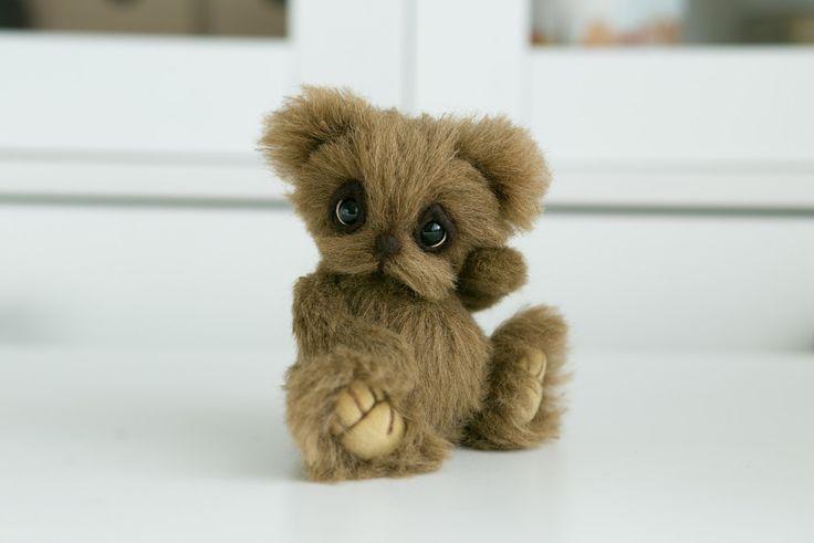 Artist collectible Teddy bear Wuki (OOAK) by TEDDYROOM on Etsy