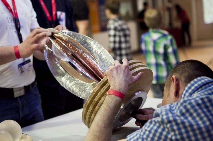 Třetí třetina, je čas Floru florbal rozvinout a vložit do ní křišťálovou kouli - plod symbolizující vítězný tým.