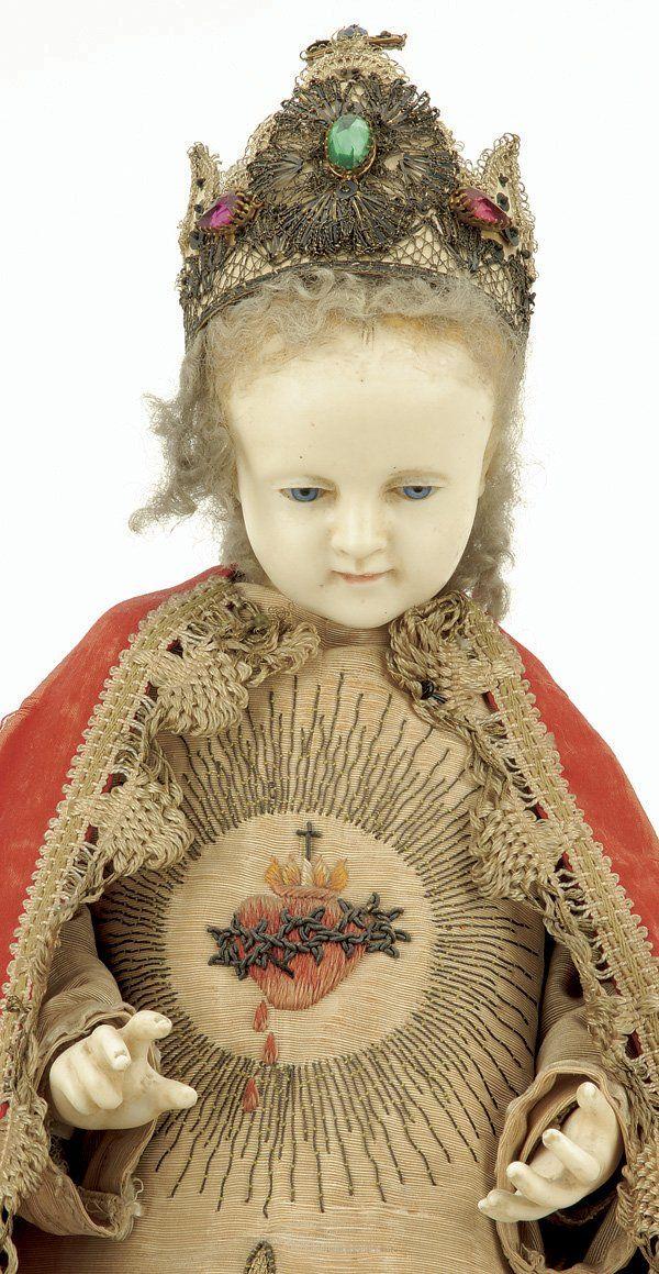 Niño Jesús de cera, vestido. 83: Wax Infant of Prague on Gilded Pedestal Base : Lot 83