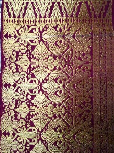 Songket bali full gold thread klungkung