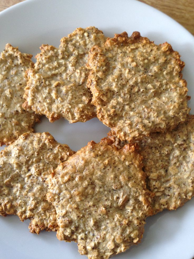 Slimming world oat biscuits, syn free if using 35g oats as healthy extra. 35g oats, 1 egg, 2-3 tablespoons sweetener, cinnamon, ginger (could use other flavours), mix together, place spoonfuls on a baking tray sprayed with buttery frylight, makes 6-7 biscuits. Bake for 15-20 mins depending in how crispy you'd like them. Could be drizzled with chocolate or Nutella if you count the syns.