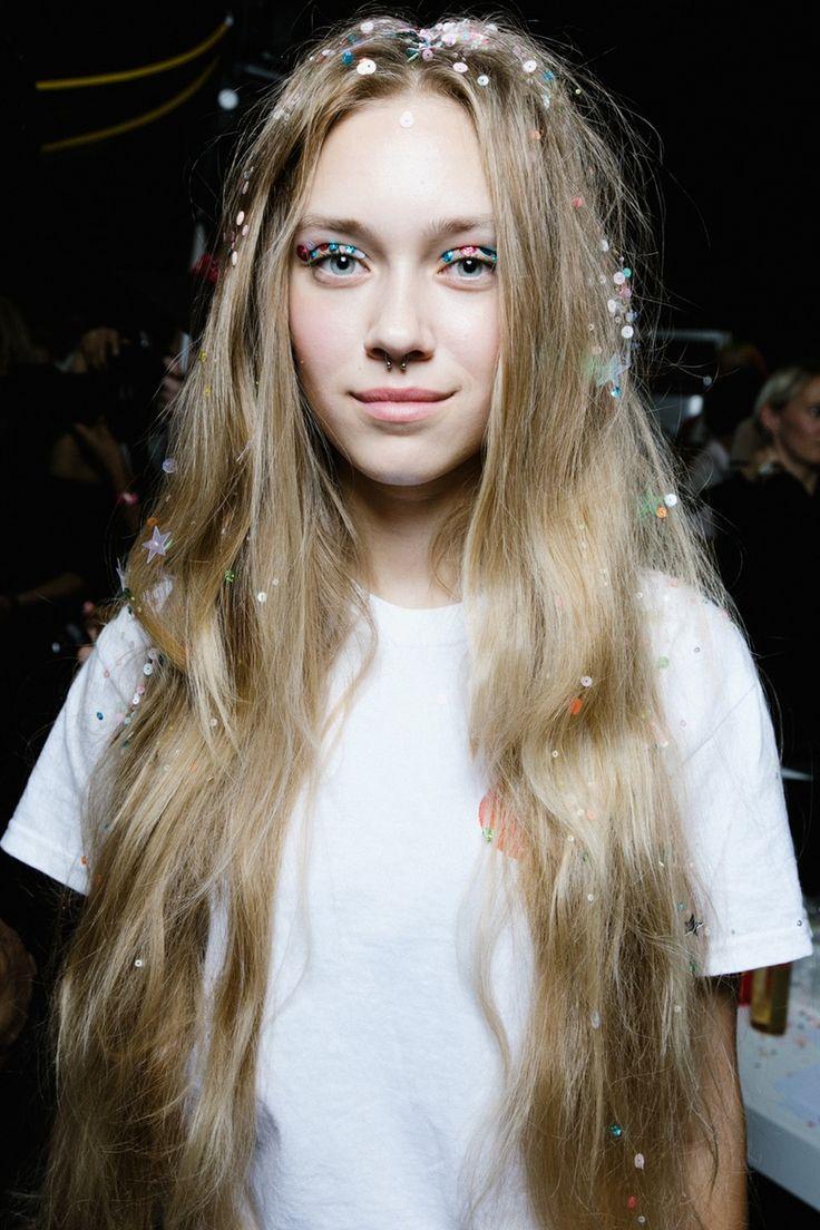 Juxtaposition of Simple White Tee & OTT Sequinned Hair & Eye Makeup | Ashish SS16 |