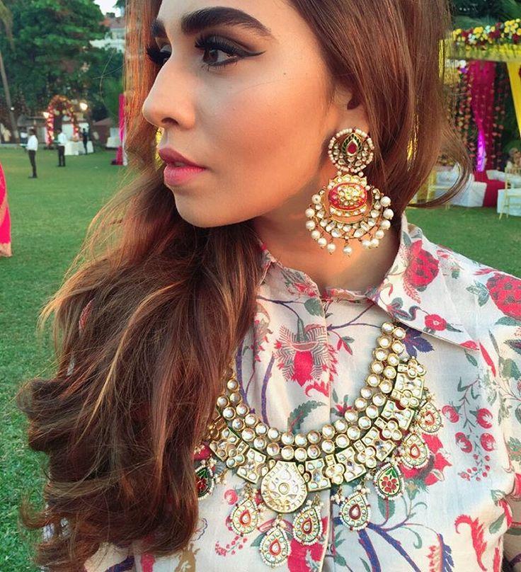 "Mitali Sagar & Summiyya Patni on Instagram: ""✨✨✨ Shining bright in @justjeweleryindia at #TheBigMisuWedding #YouHadMiAtSid #MisuTakeOver #wedding #staytuned #MisuVirtualWedding #payalsinghal ✨"""