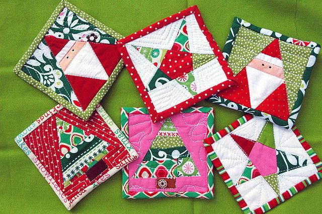 Christmas mug rugs with paper piecing! This would be so awesome! We could make one for each of our family members for stocking stuffers :D